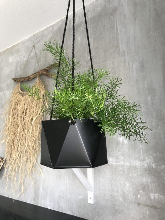 Hangpot Zwart geometrisch aan touw